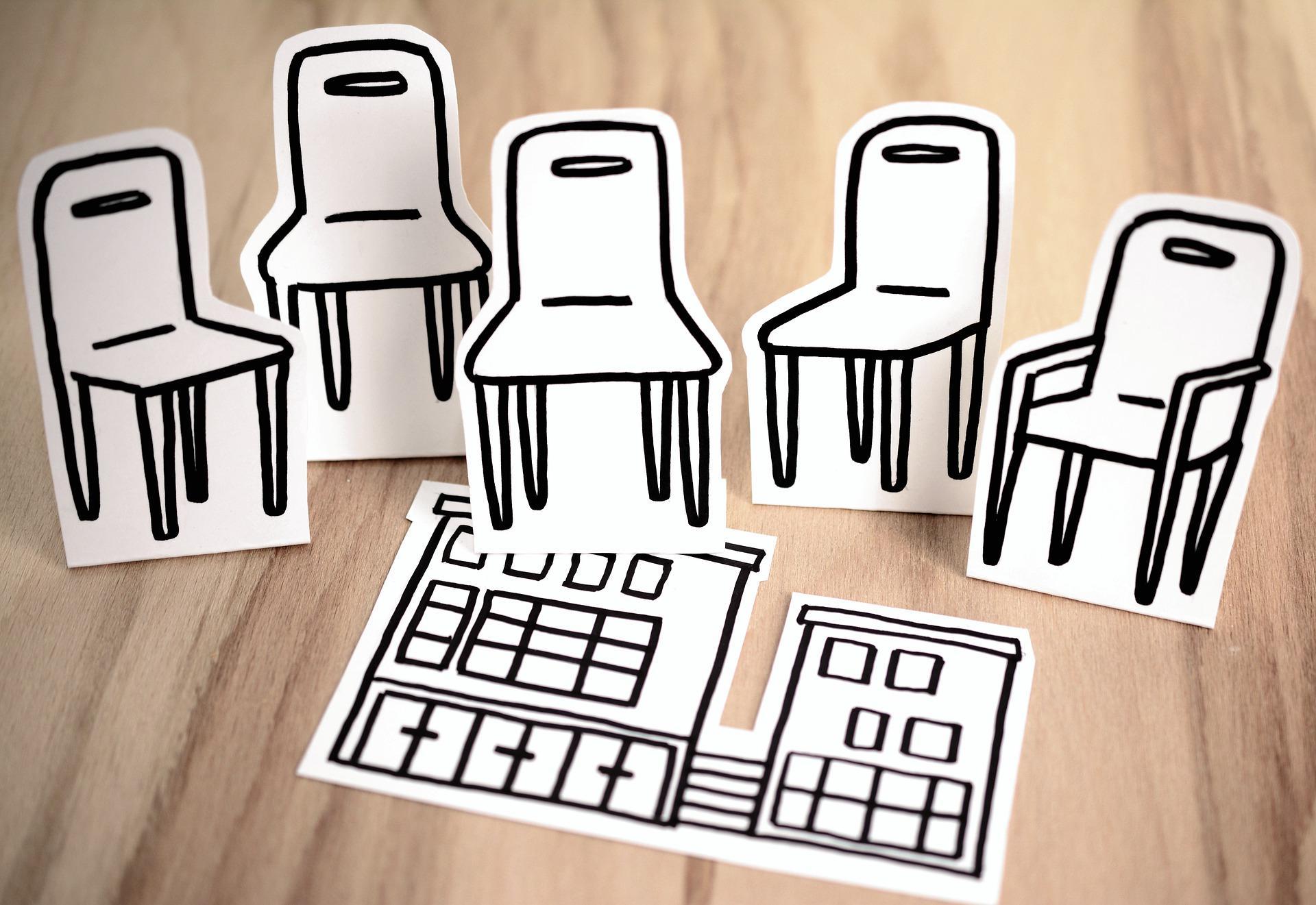 Dessins chaises vides sur table