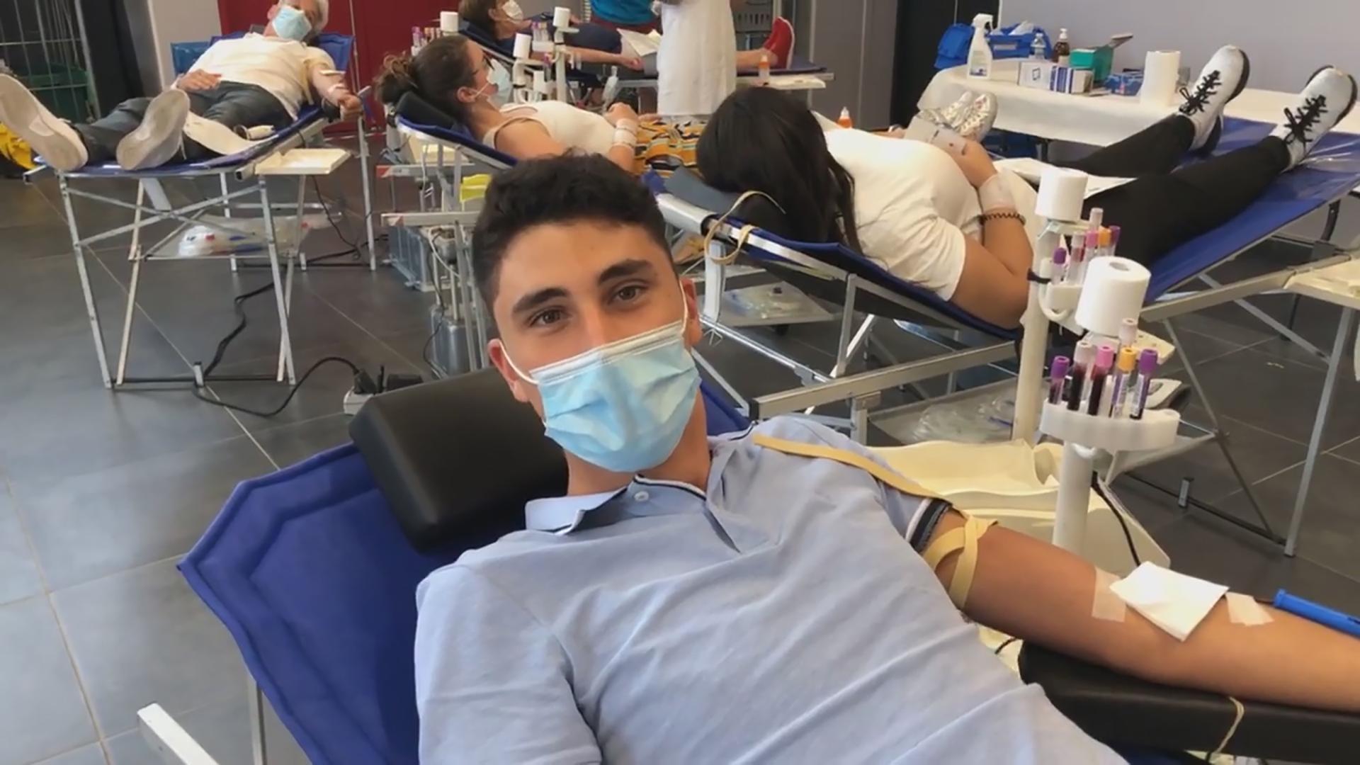Jeune homme don de sang montady 01 09 2020